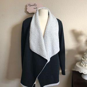 Mossimo fluffy sweatshirt jacket cape gray